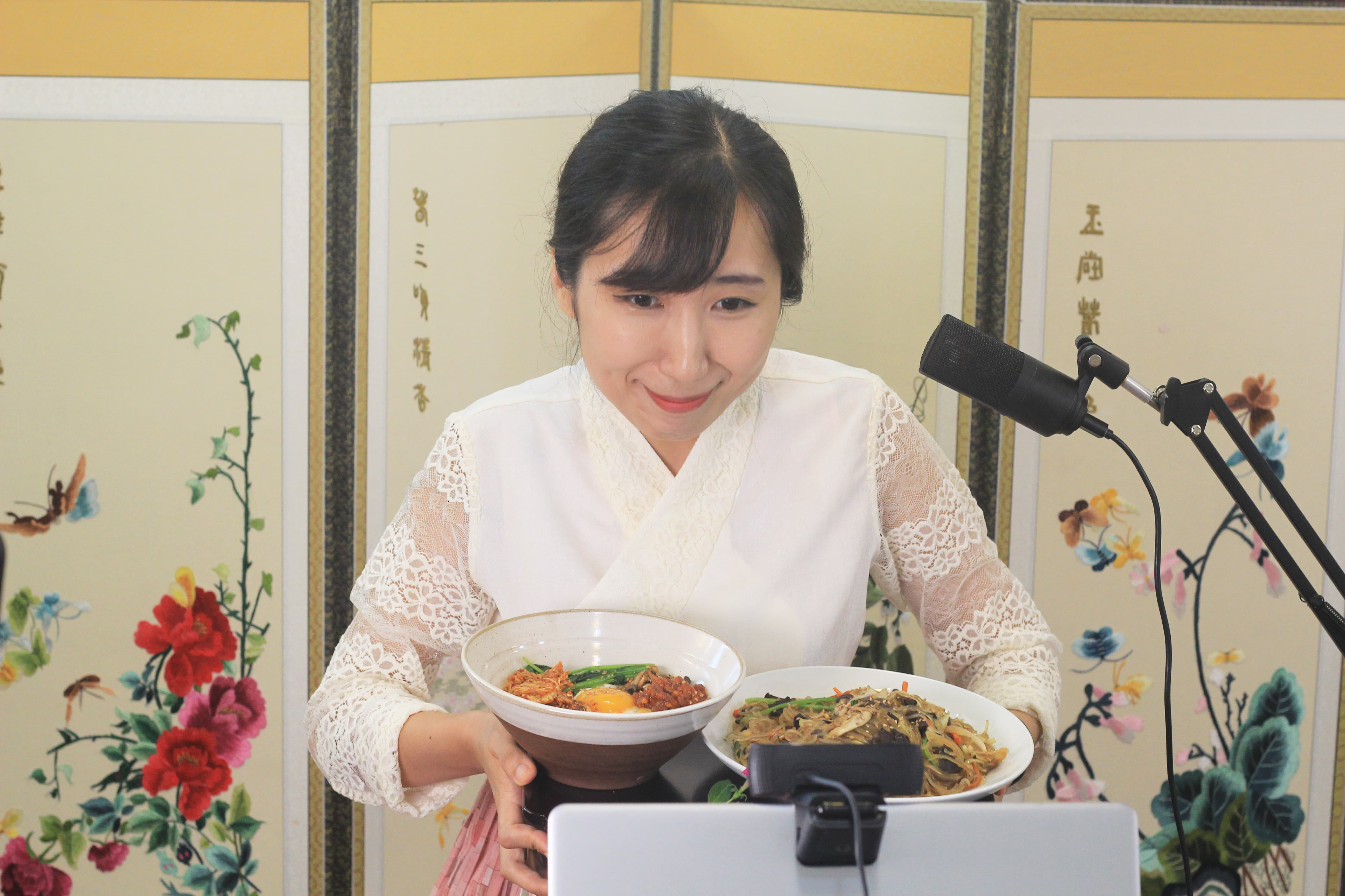 [SMA Insider] 온라인으로 함께 만들고 맛보는 한식… 'K-쿠킹' 주도하는 김민선 오미요리연구소 대표